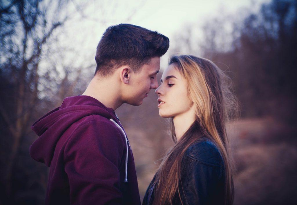 """alt=""""Espondilite e Relacionamentos Amorosos"""""""