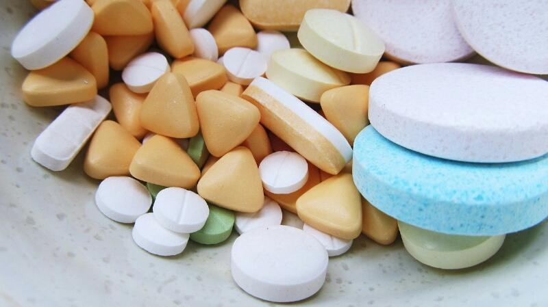 """alt=""""Tratamento medicamentoso para Espondilite DMARD's AINEs"""""""