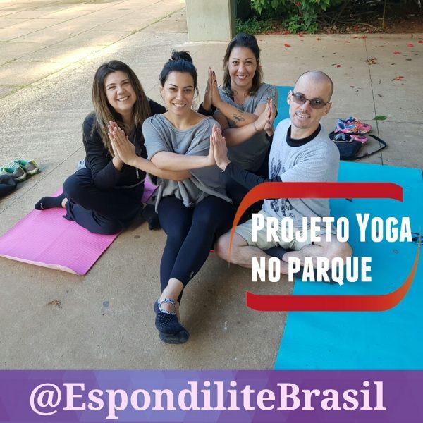 Instrutora de Yoga desenvolve aulas gratuitas para pessoas com espondilite