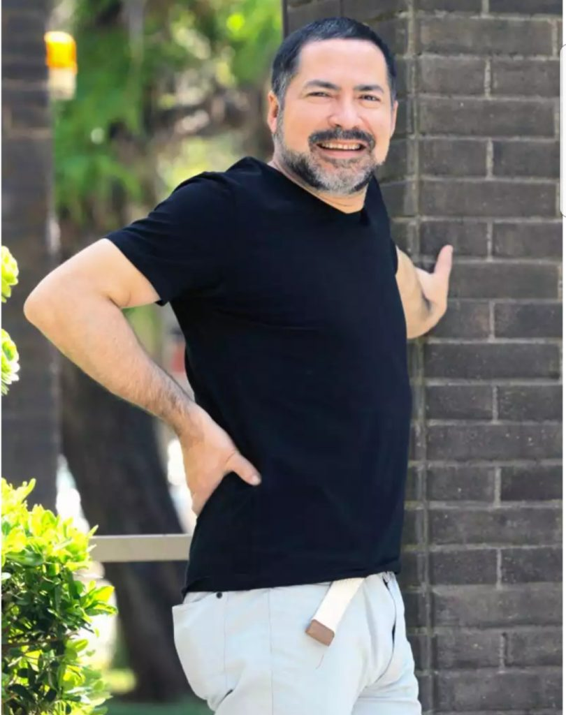 """alt=""""Jornalista da CNN Chile diagnosticado com Espondilite"""""""